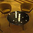 ロビーの椅子とテーブル3