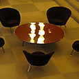 ロビーの椅子とテーブル1
