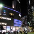 JR桜木町駅前