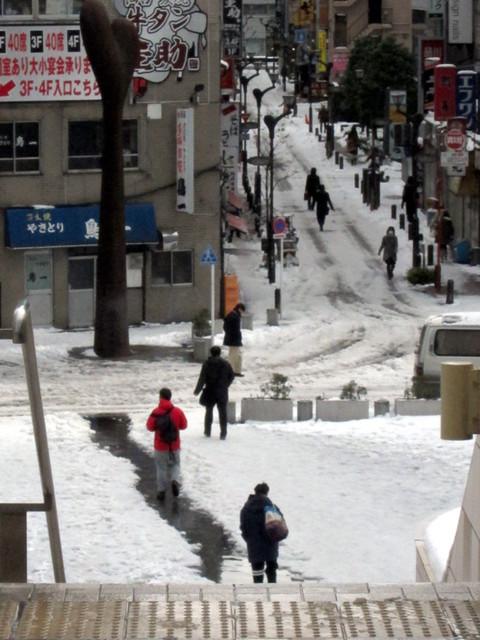 雪の品川駅周辺2