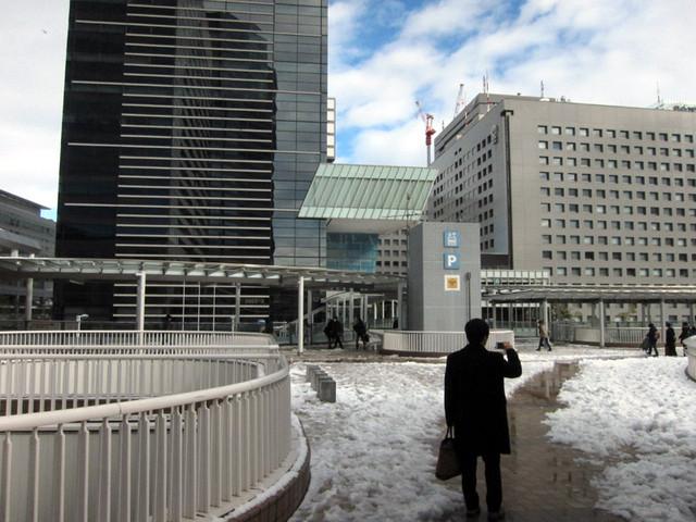 雪の品川駅周辺3