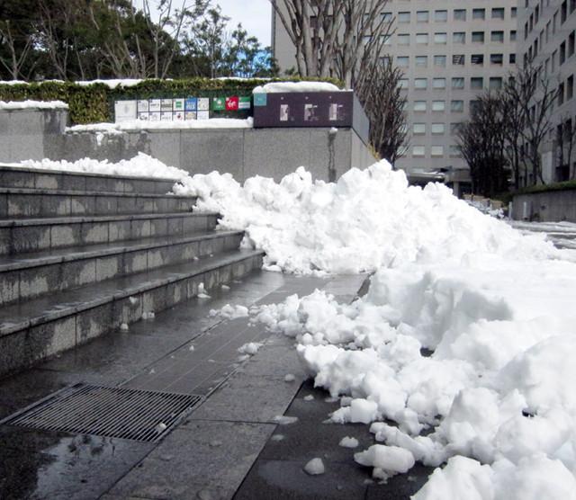 雪の品川駅周辺7