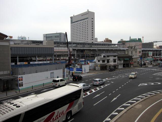 JR岡山駅 お昼の風景