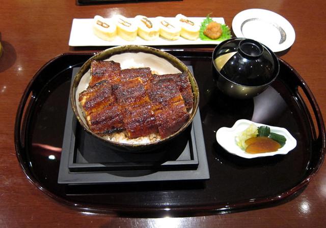 まるや の 鰻丼